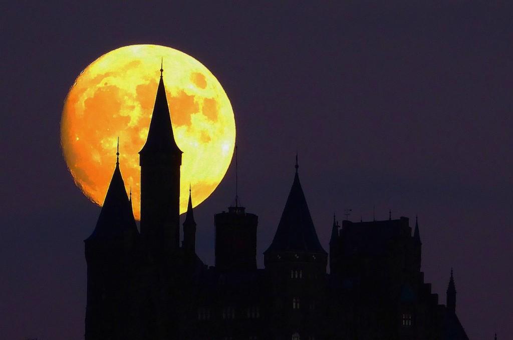 moon castle 11
